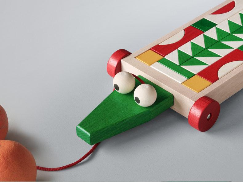 Bauwagen Krokodil Blumenauer Holzspielwaren