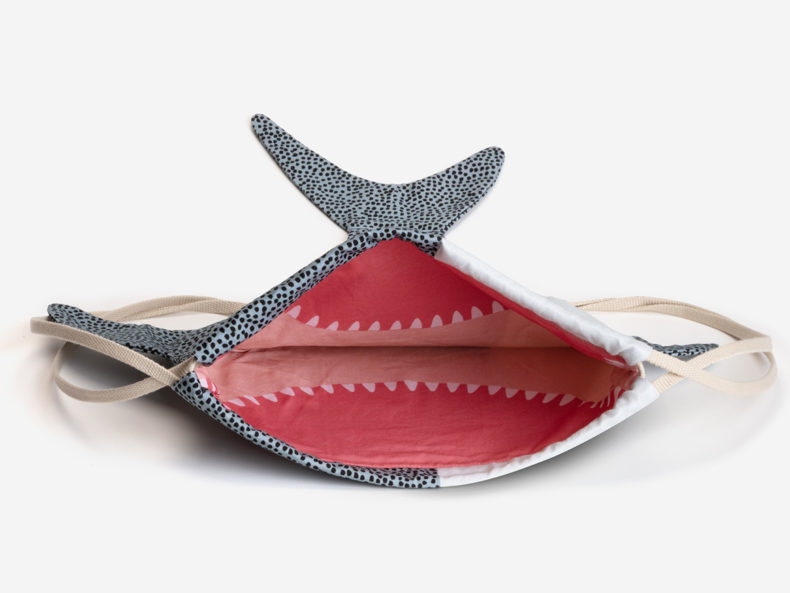 DON FISHER Shark KID Rucksack offen