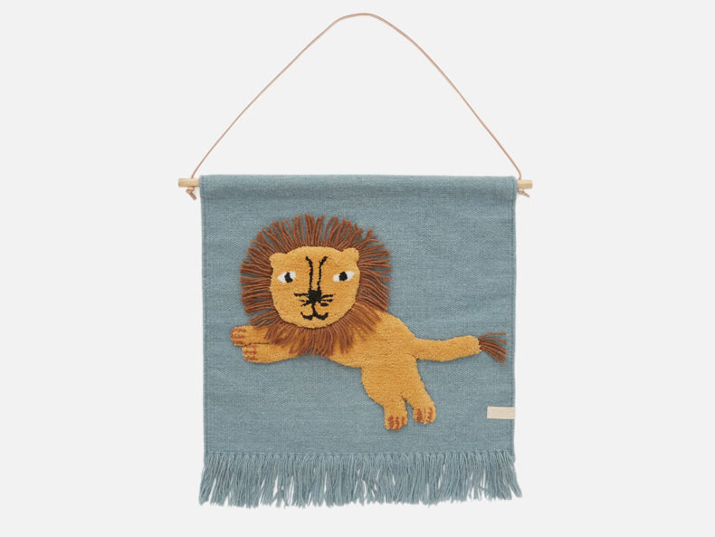 Jumping-Lion-Wandteppich-OYOY-living