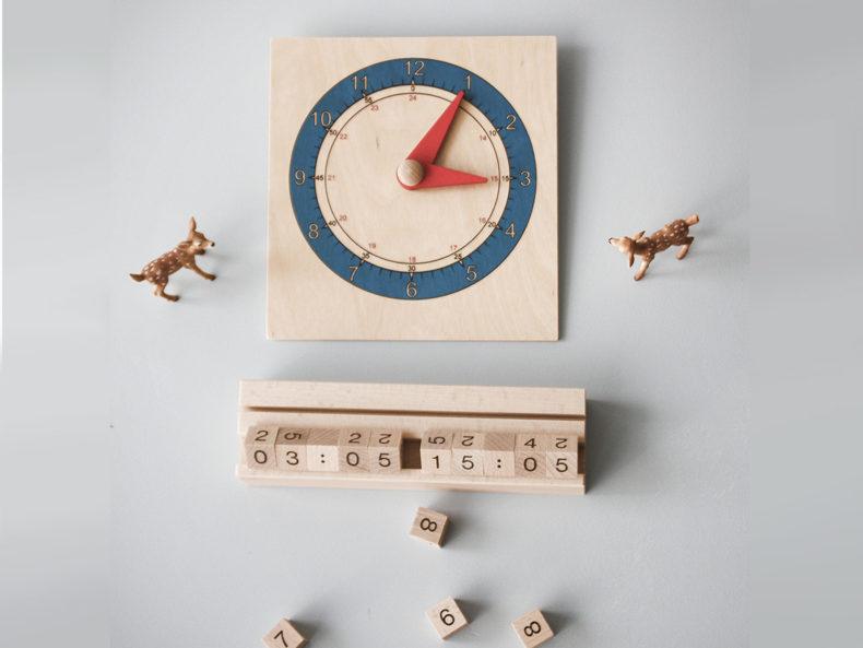 Lernuhr-aus-Holz-Digital-Analog