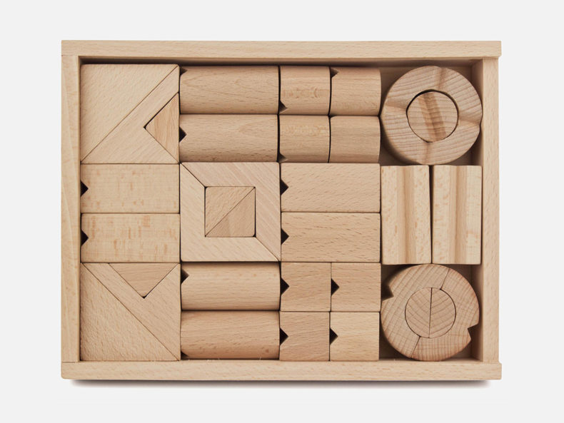 Japanischer-Holzbaukasten-Tsumiki-Holzbaukasten-Erzbebirge