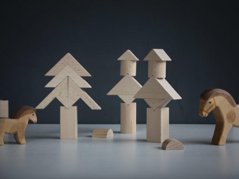 Tsumiki-Holzbausteine-Figuren