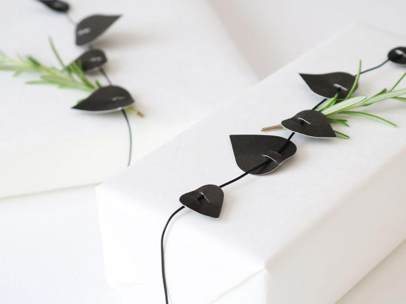 twig leaves Black Geschenk