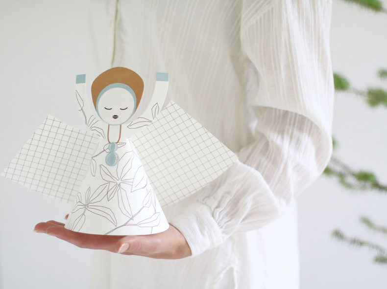XL-angel-hand