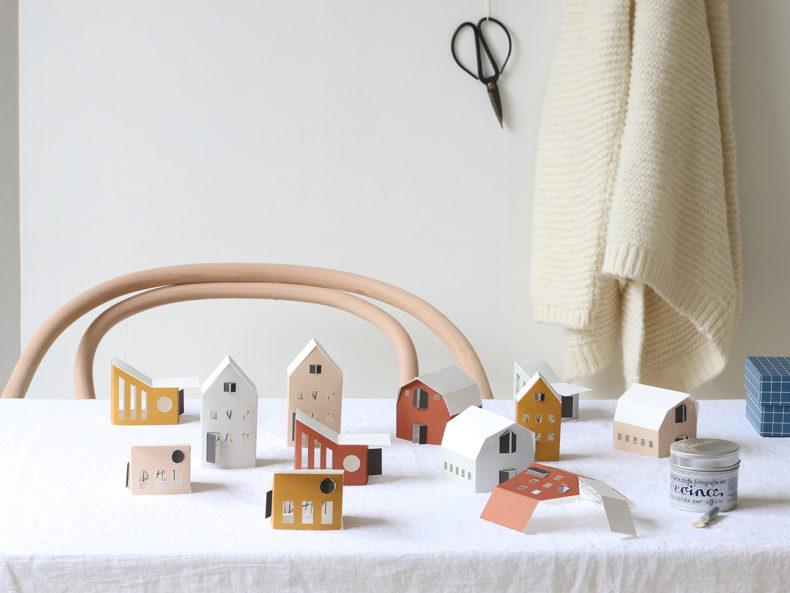 BYGGE houses | 12er Bastelset Papierhäuser in Pastellfarben. Aus den vorgestanzten Papierbögen läßt sich ein wunderschönes kleines Dorf gestalten.